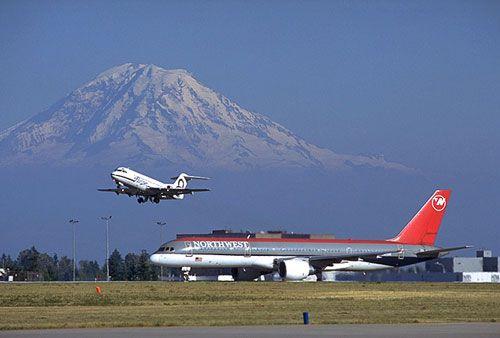 Planes at Seattle Tacoma International Airport