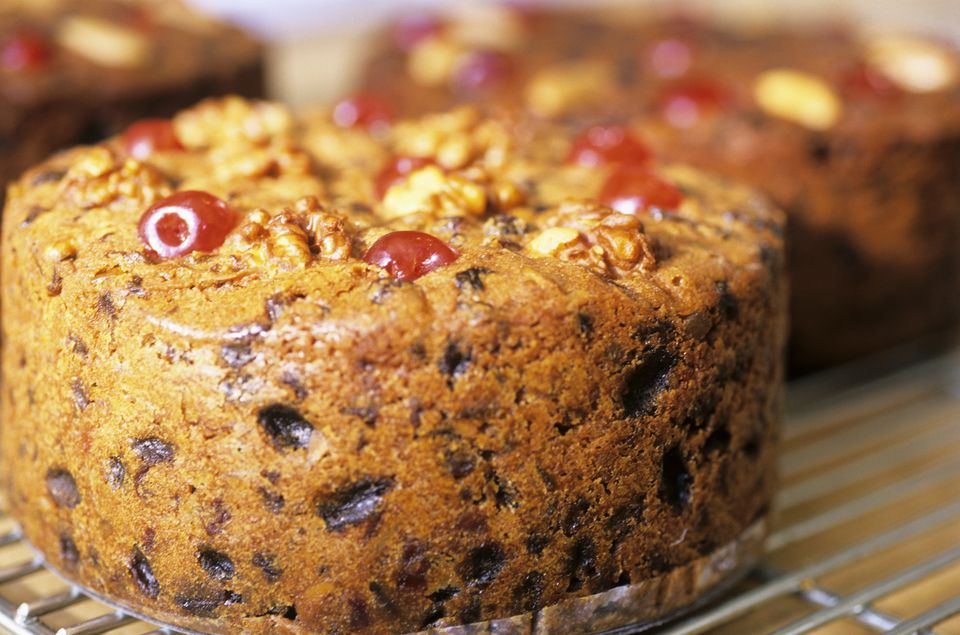 Fruit cake (with dried fruit)
