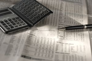 newspaper_calculator_investment research