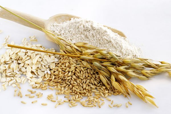 Oatmeal baths can help relieve itching caused by chicken pox.