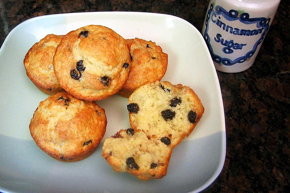 Blueberry Muffins with Dried Blueberries