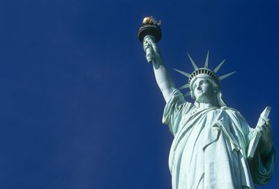 how the statue of liberty became a symbol of immigration statue of liberty