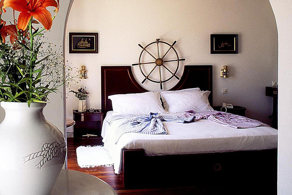 Nautical Theme Bedrooms: What is the Nautical Theme or Style?