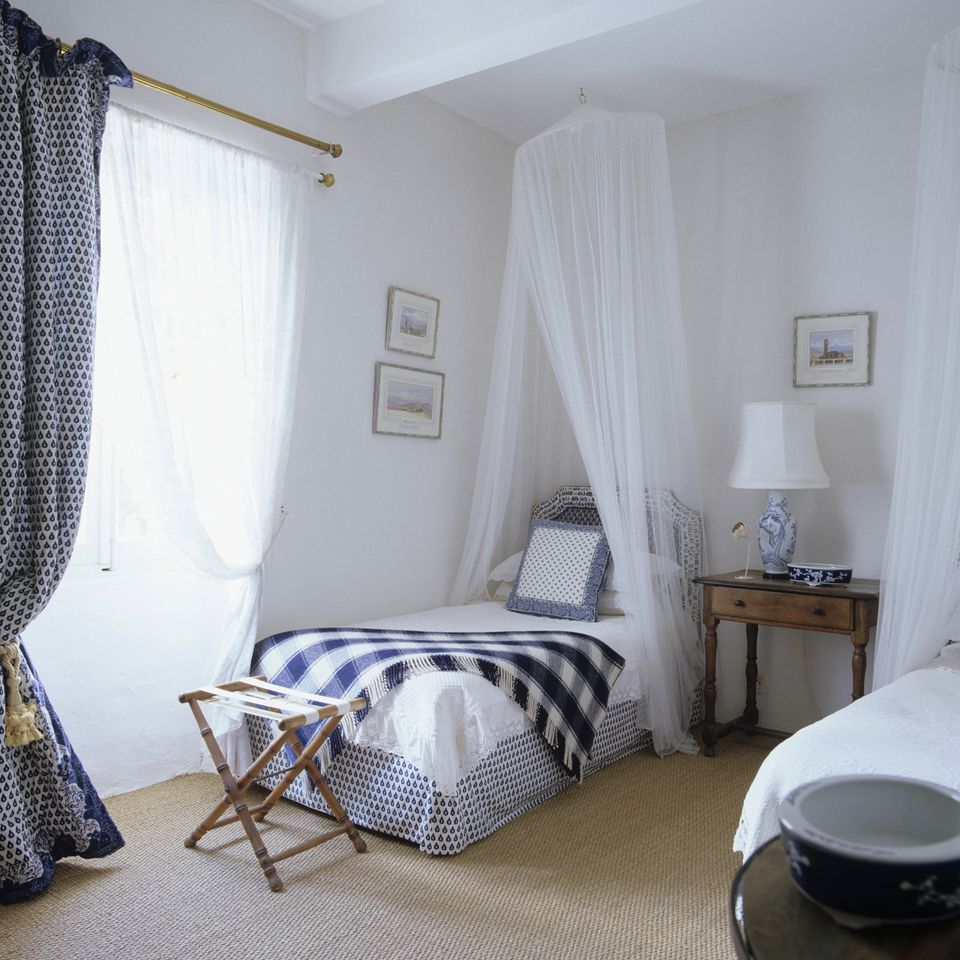 shabby chic bedroom. Blue and white Shabby Chic bedroom  Photos Tips for Decorating a Bedroom