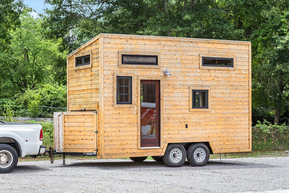 How much does it cost to build or buy a tiny house for Tiny house to buy