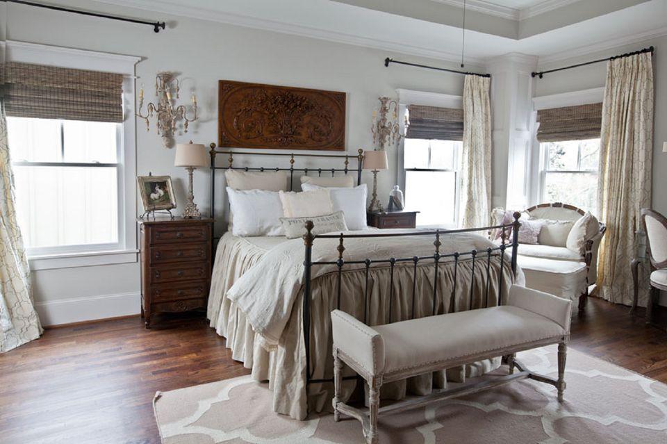 Glamorous Farmhouse Style Pretty Bedroom