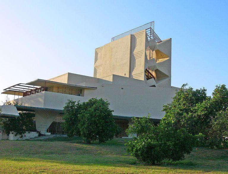 Annie M. Pfeiffer Chapel by Frank Lloyd Wright