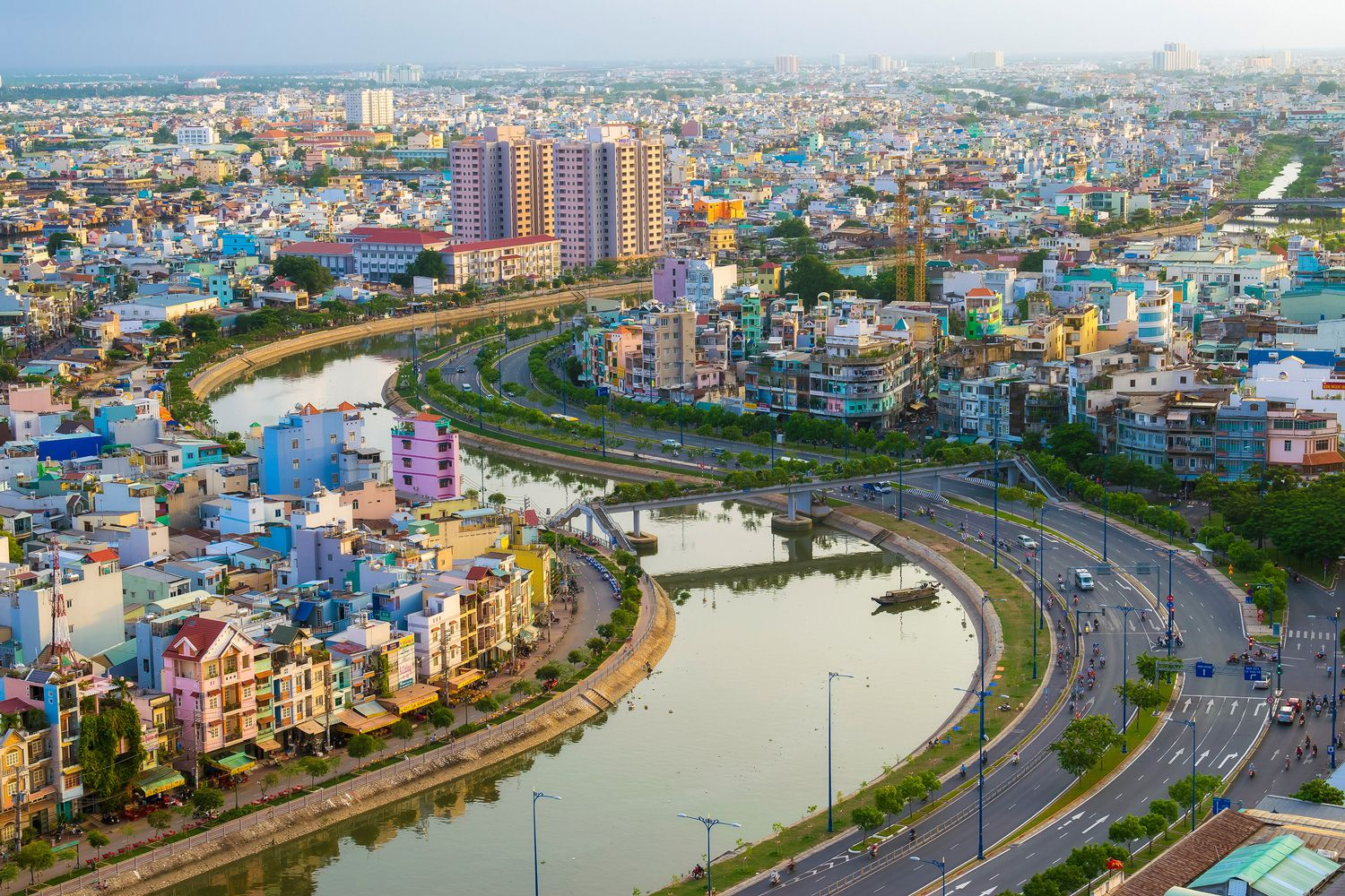 Which Name to Use for Vietnam's Largest City