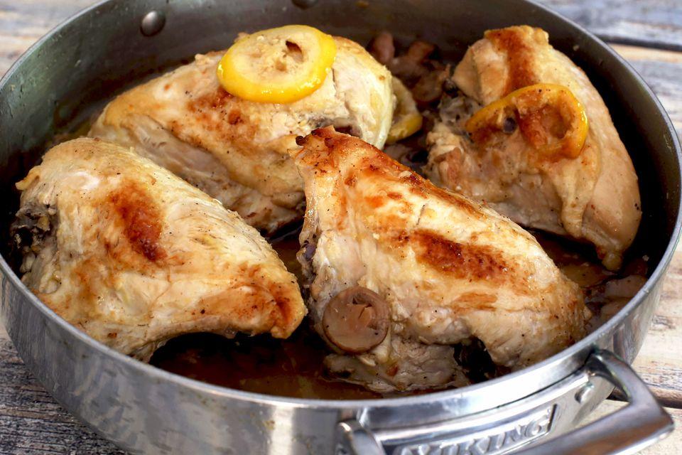 Skillet Lemon Chicken With Mushrooms