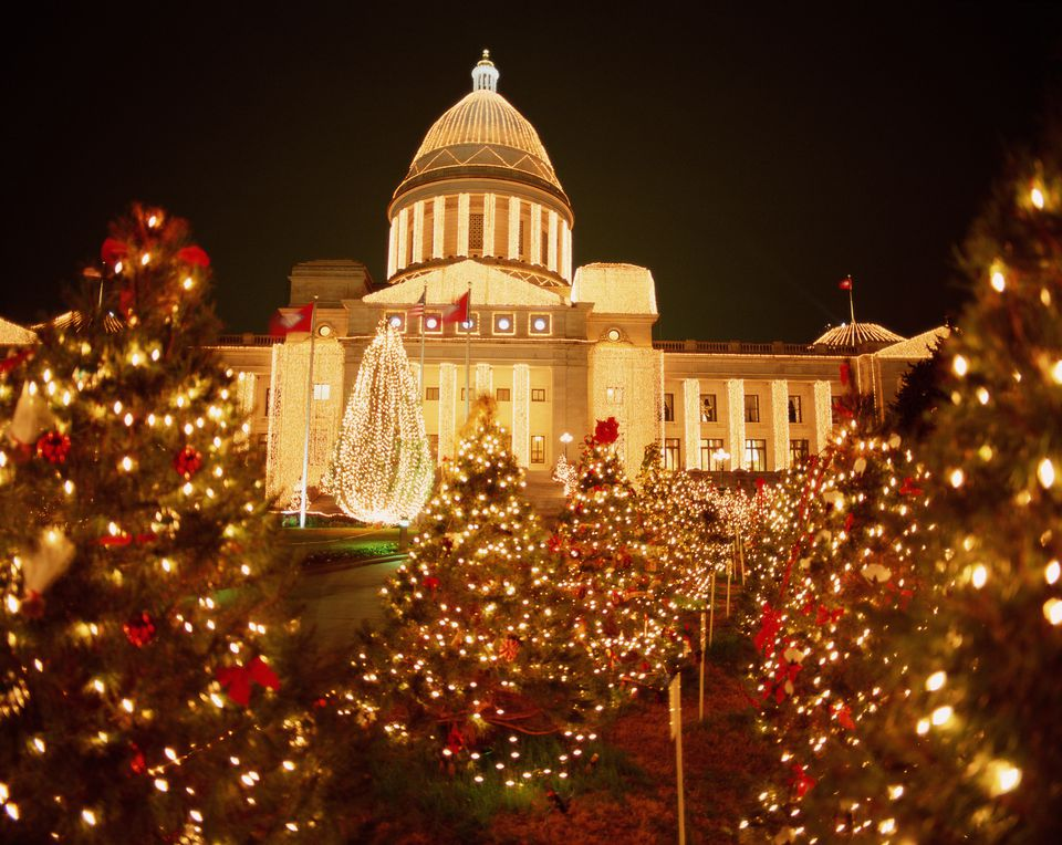 USA, Arkansas, Little Rock, State Capitol, Christmas time, night