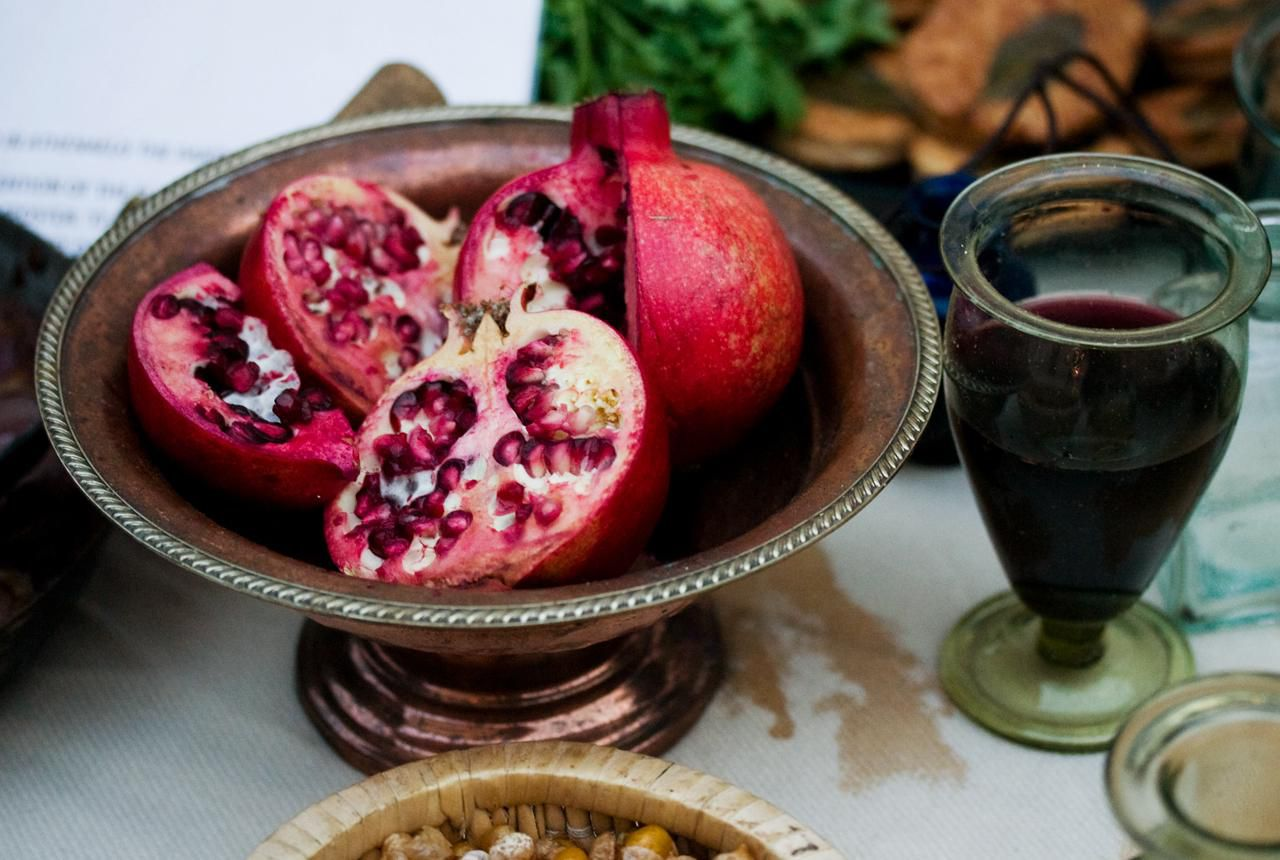 How To Peel Seed And Juice Pomegranates