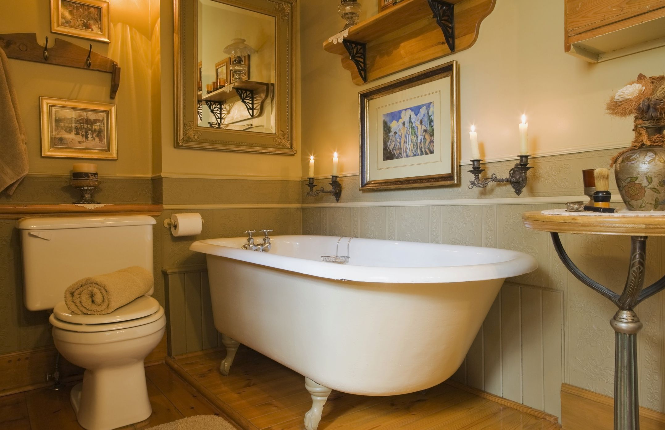 How To Stage A Bathroom Without Breaking The Bank