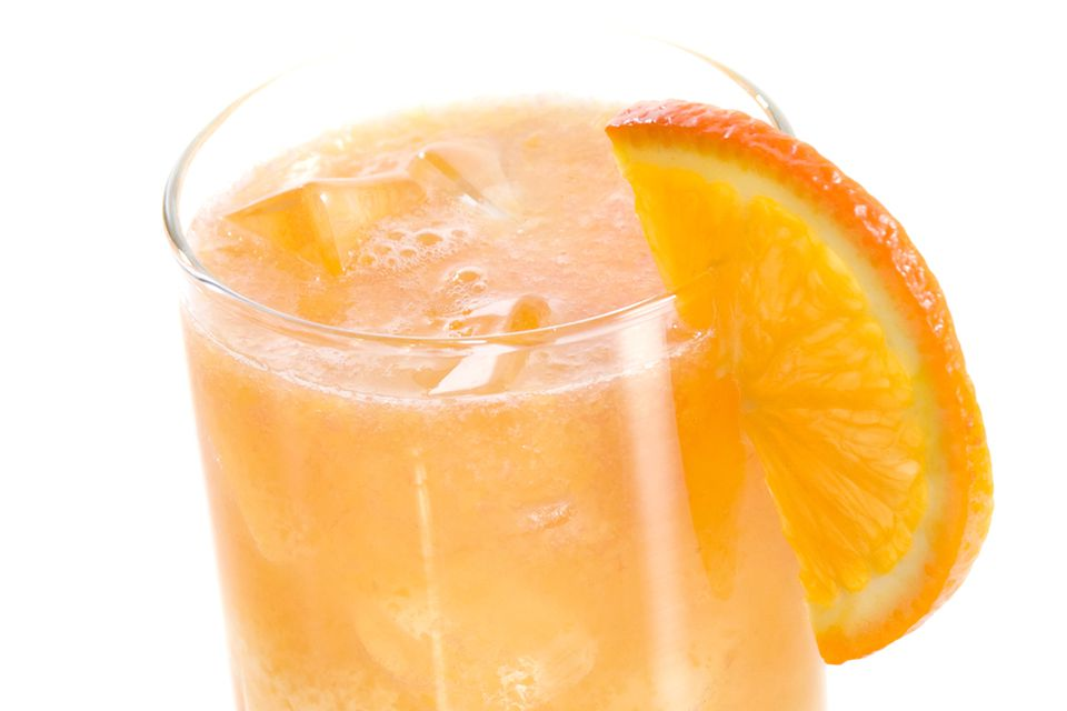 The Easy and Popular Hairy Navel Vodka Cocktail