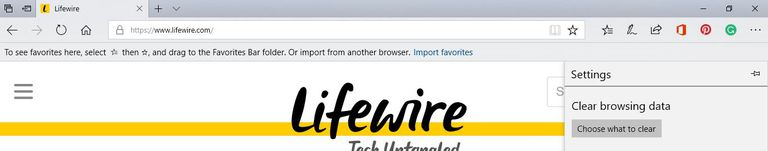 A screen shot of Lifewire's web site in Edge with the Settings menu open.