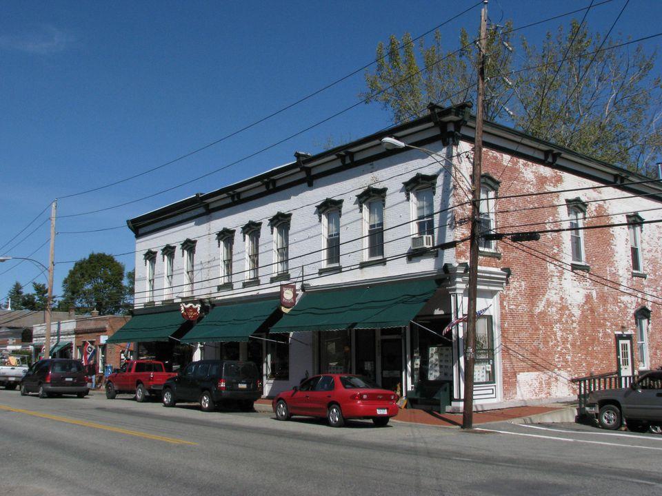 lake village gay personals Knoxville real estate - craigslist cl  flat bldg site $129500 20000ft 2 - (chalet village  (douglas lake) pic.