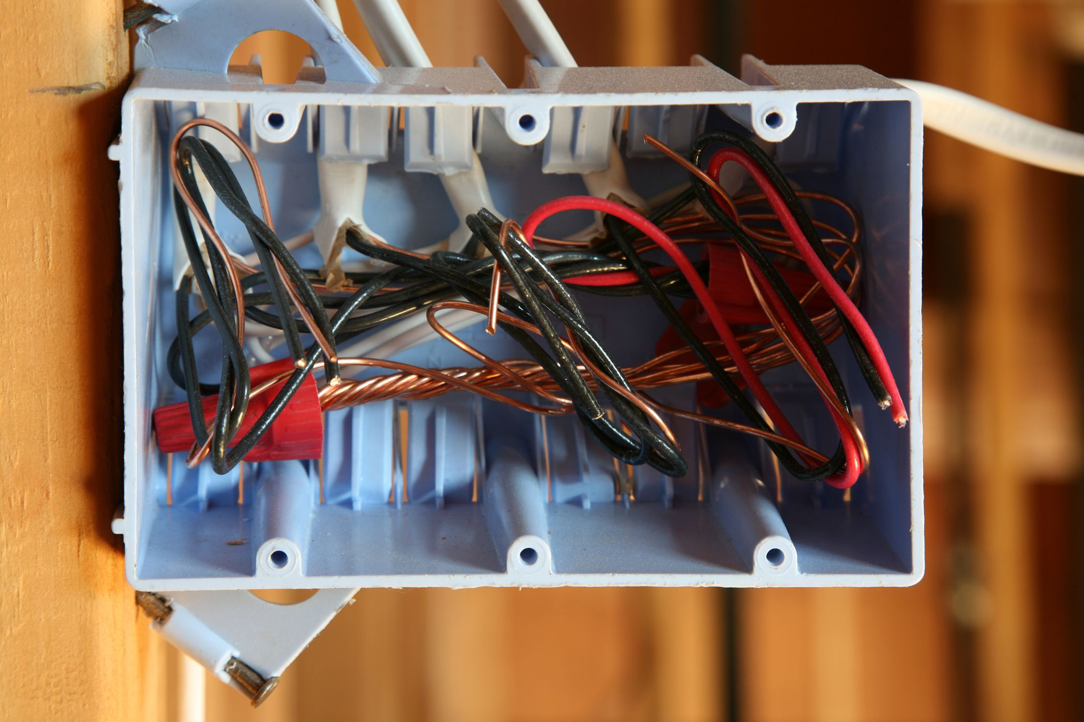 Electrical installations requiring no junction boxes what are plastic electrical boxes arubaitofo Choice Image