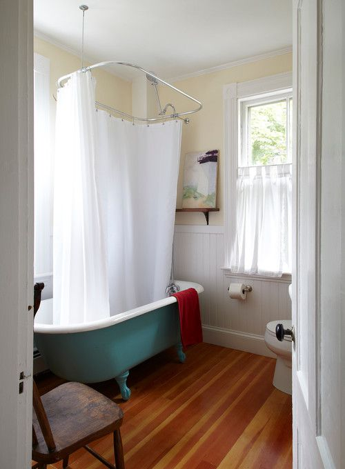 Beautiful Bathrooms With Clawfoot Tubs - Clawfoot tub in small bathroom