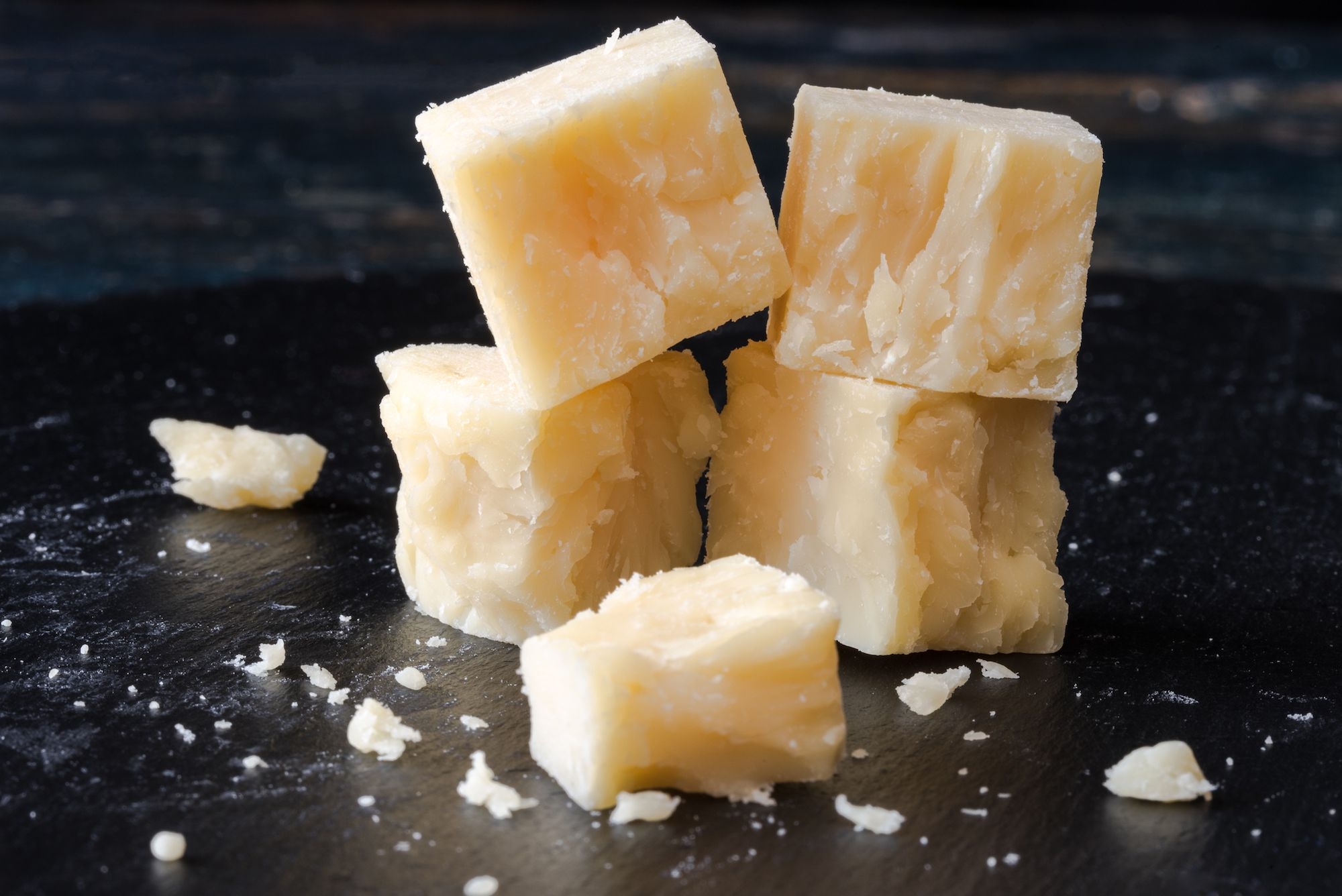 how much cholesterol in cheese
