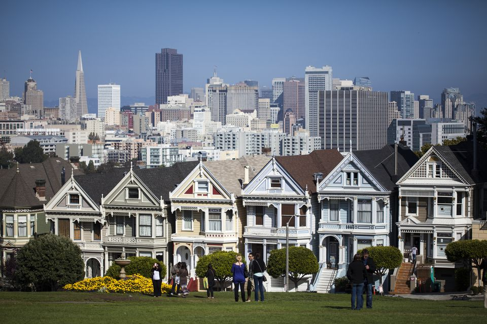 Alamos Square's Painted Ladies and the San Francisco Skyline