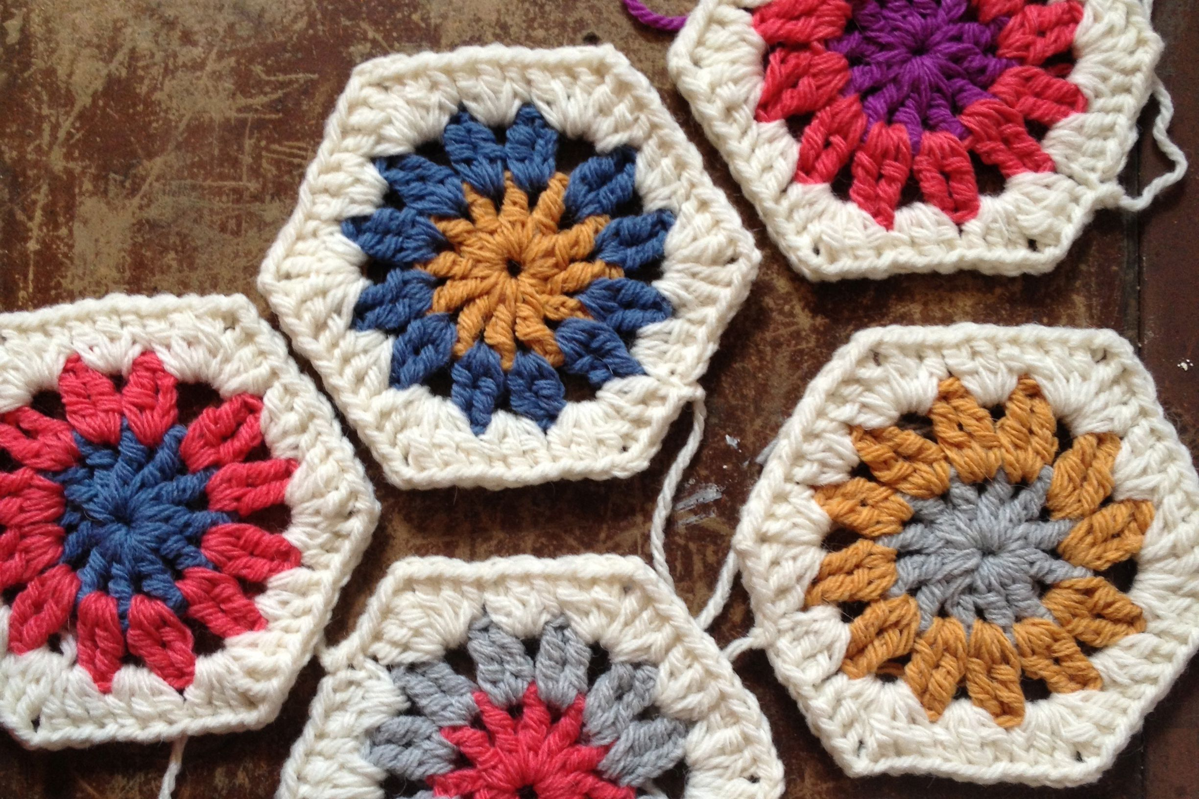 10 free hexagon crochet patterns bankloansurffo Image collections