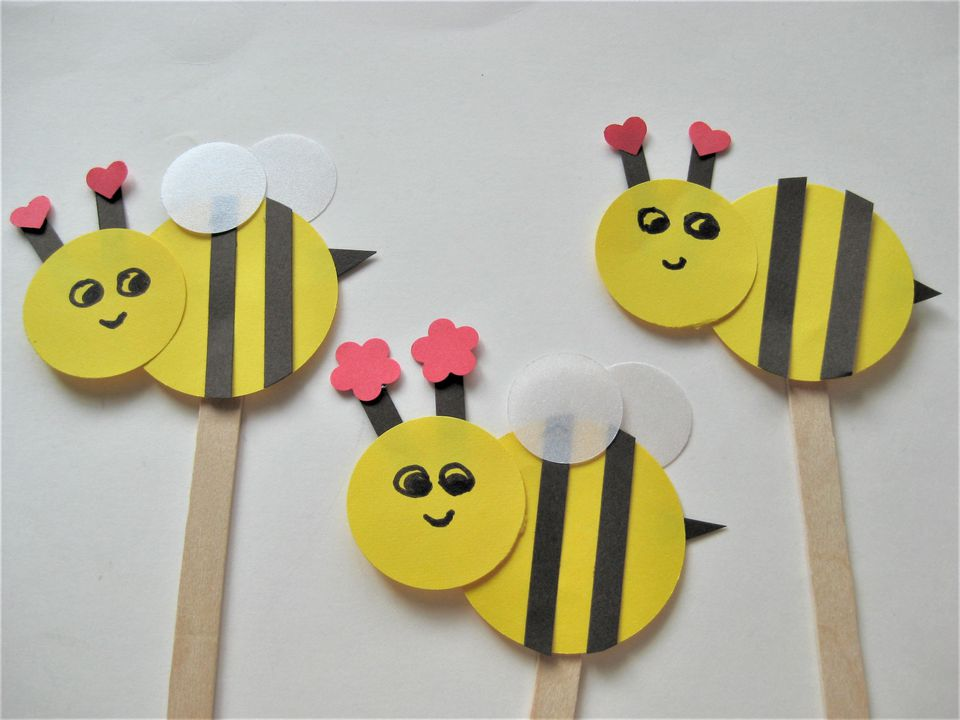 Bee craft for kids for Bee finger puppet template