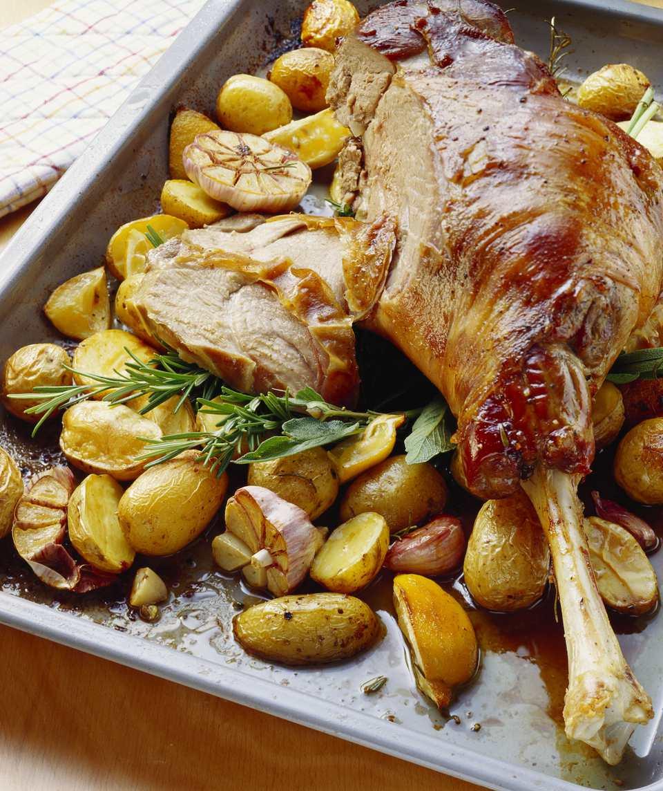 Roasted leg of lamb and potatoes