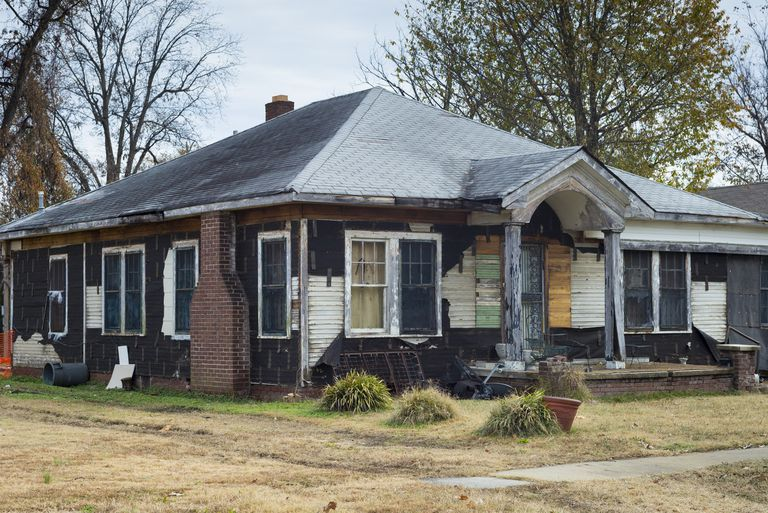 A rundown, vacant house in Mississippi