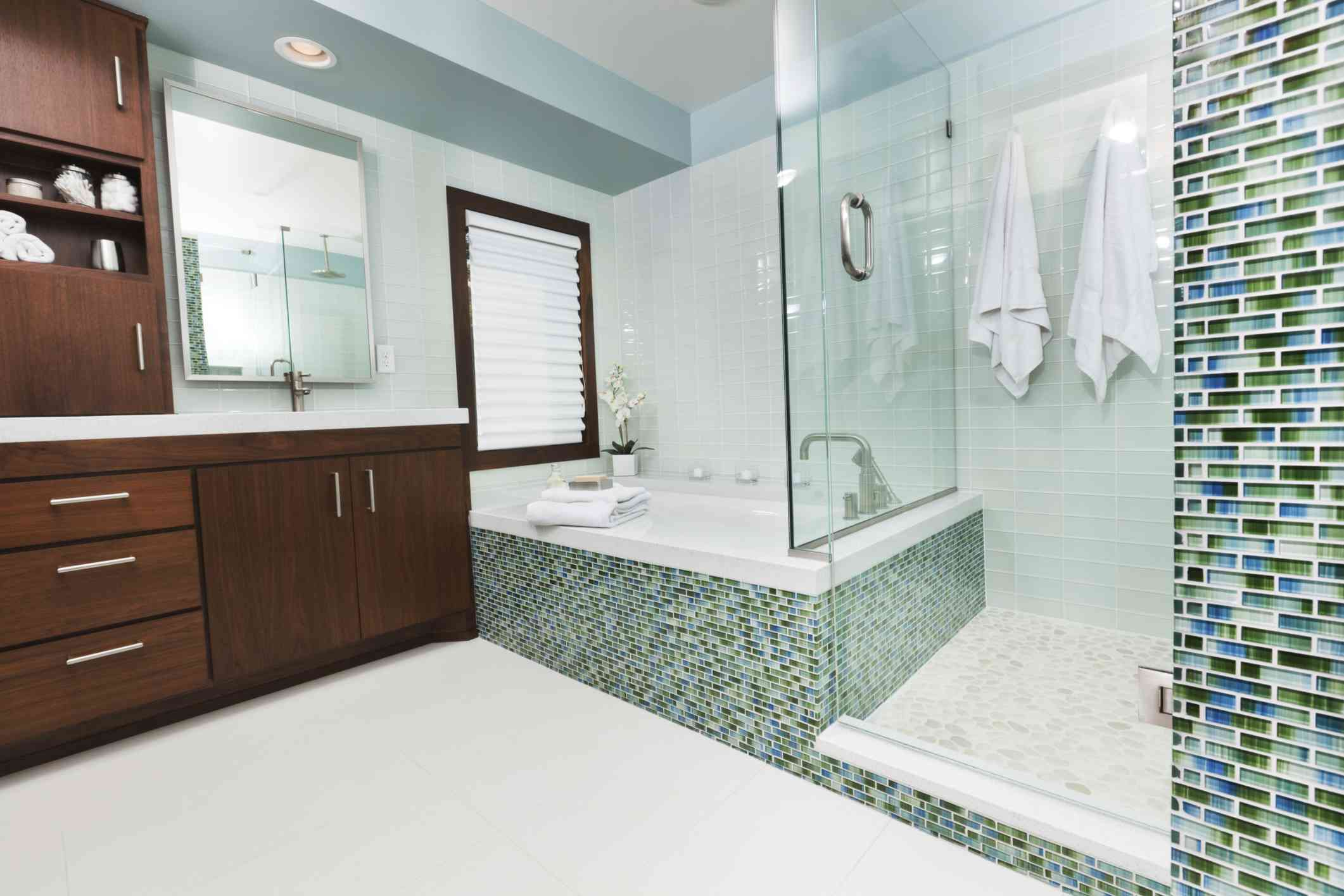 Gorgeous Shower Tub Combo With Walls And Bath Surround Tiled In Blue ...