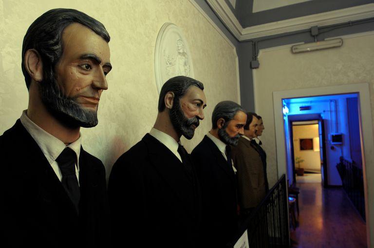 wax figures of presidents