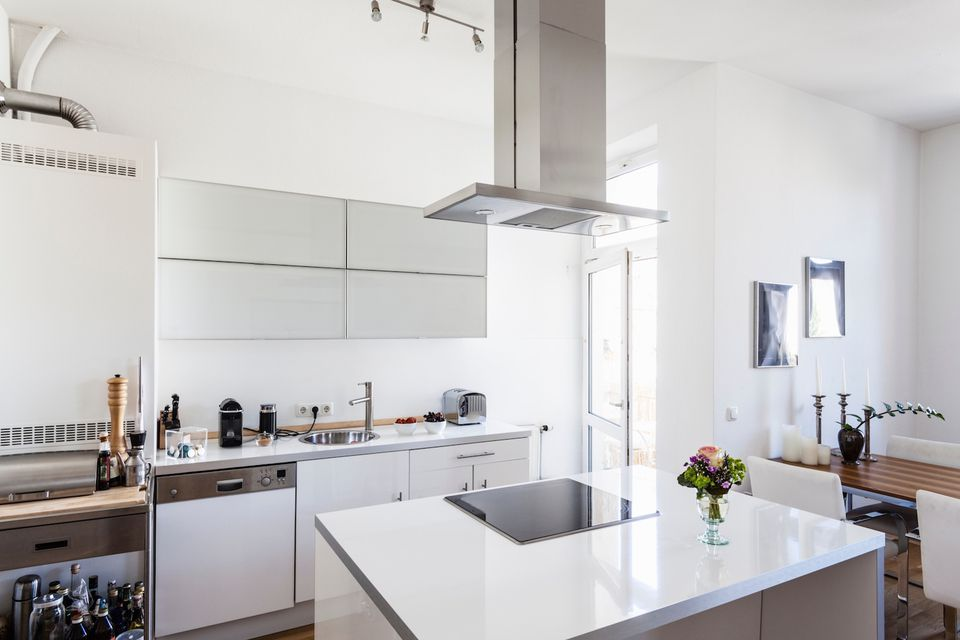 Cleaning your home costs nothing for the ultimate buyer appeal white kitchen ideas