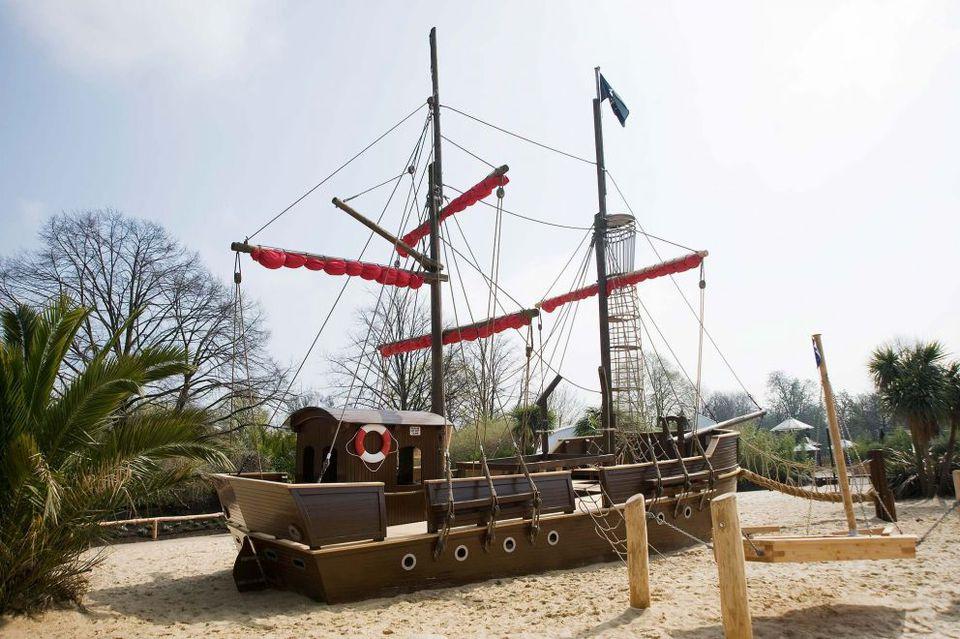 Diana Memoria Park ship