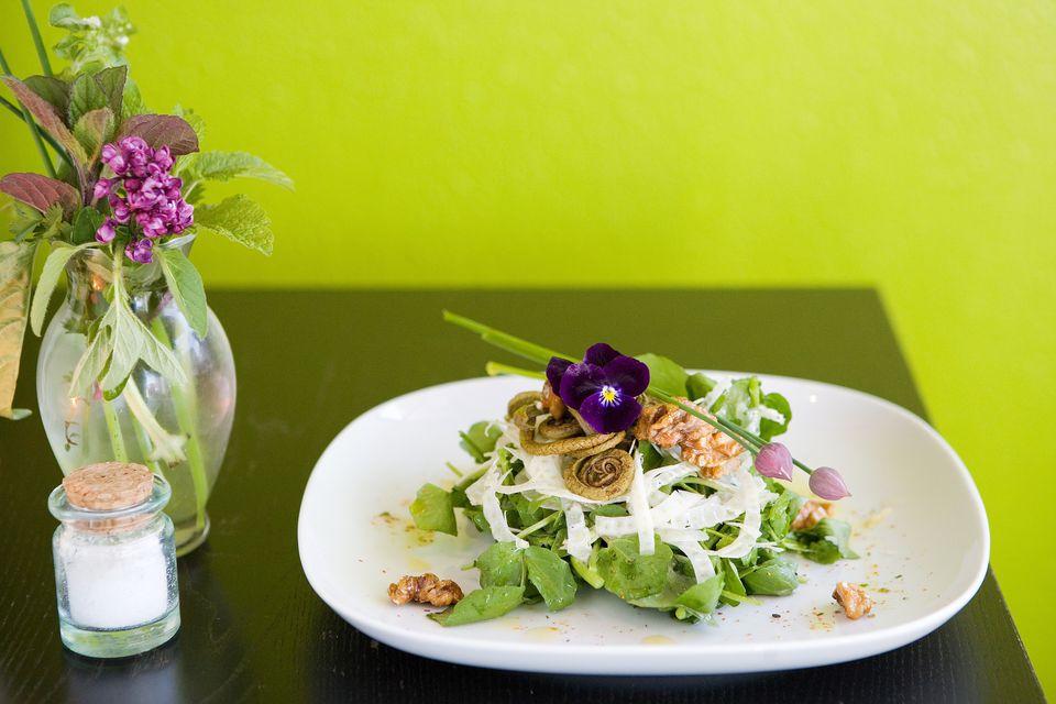 Sutra Restaurant - Cutthroat Salad