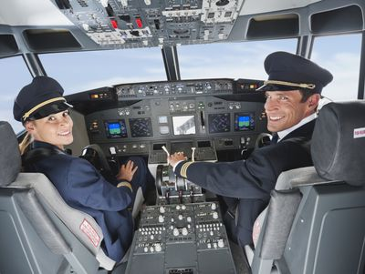 how much to airline pilots make