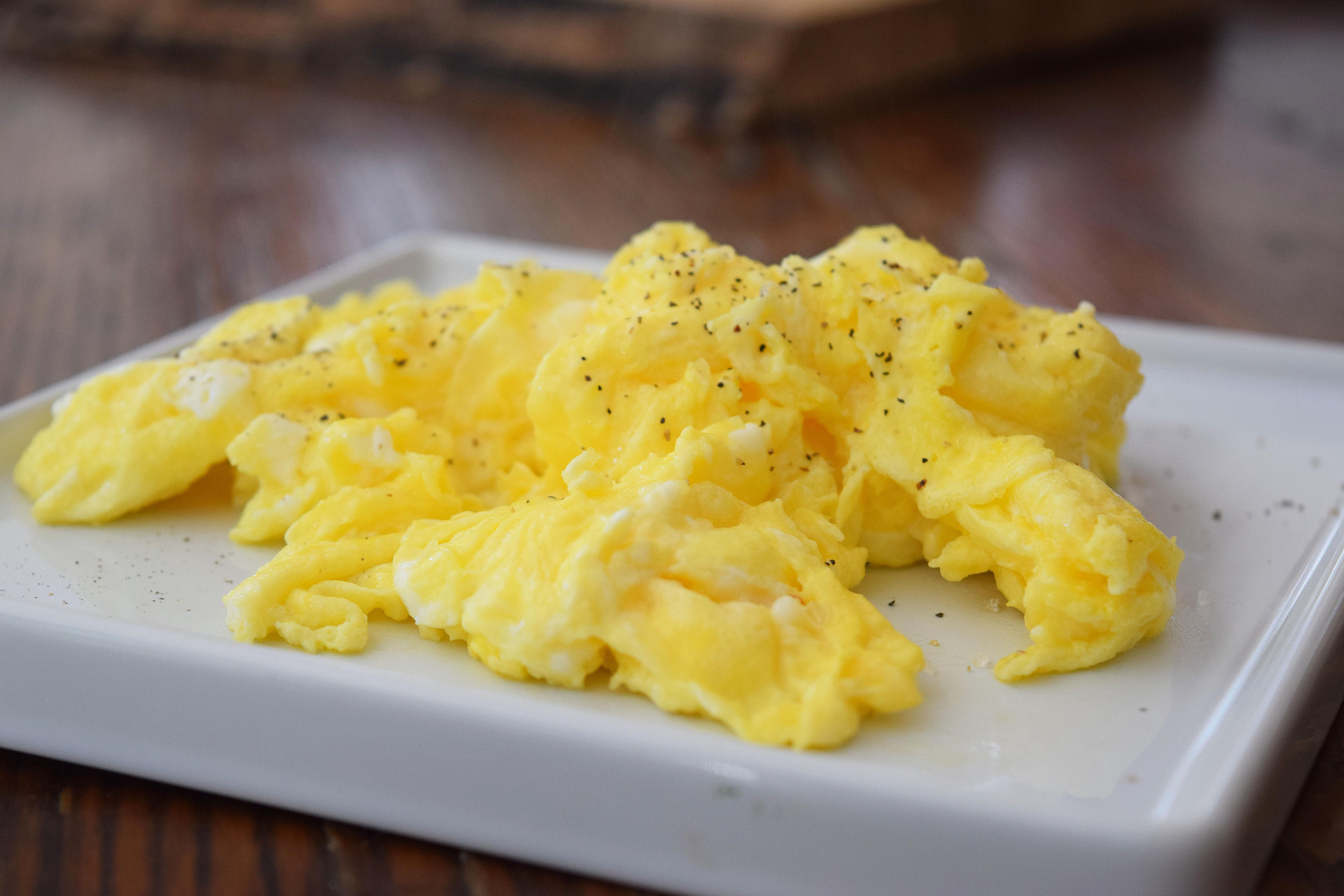 how to make scrambled eggs So you want to make cheesy scrambled eggs good for you, cheesy scrambled eggs are a strong choice for any meal of the day they're perfect in tacos and make a great.