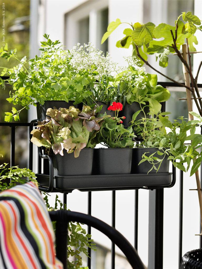 Ikea Small Balcony Decorating Ideas: How To Make The Most Of Your Small Apartment Balcony