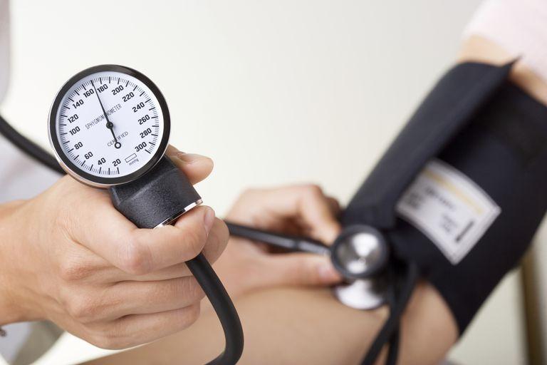Que es la presion arterial alta o hipertension