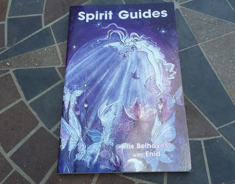 Book cover of Iris Belhayes' Book, Spirit Guides