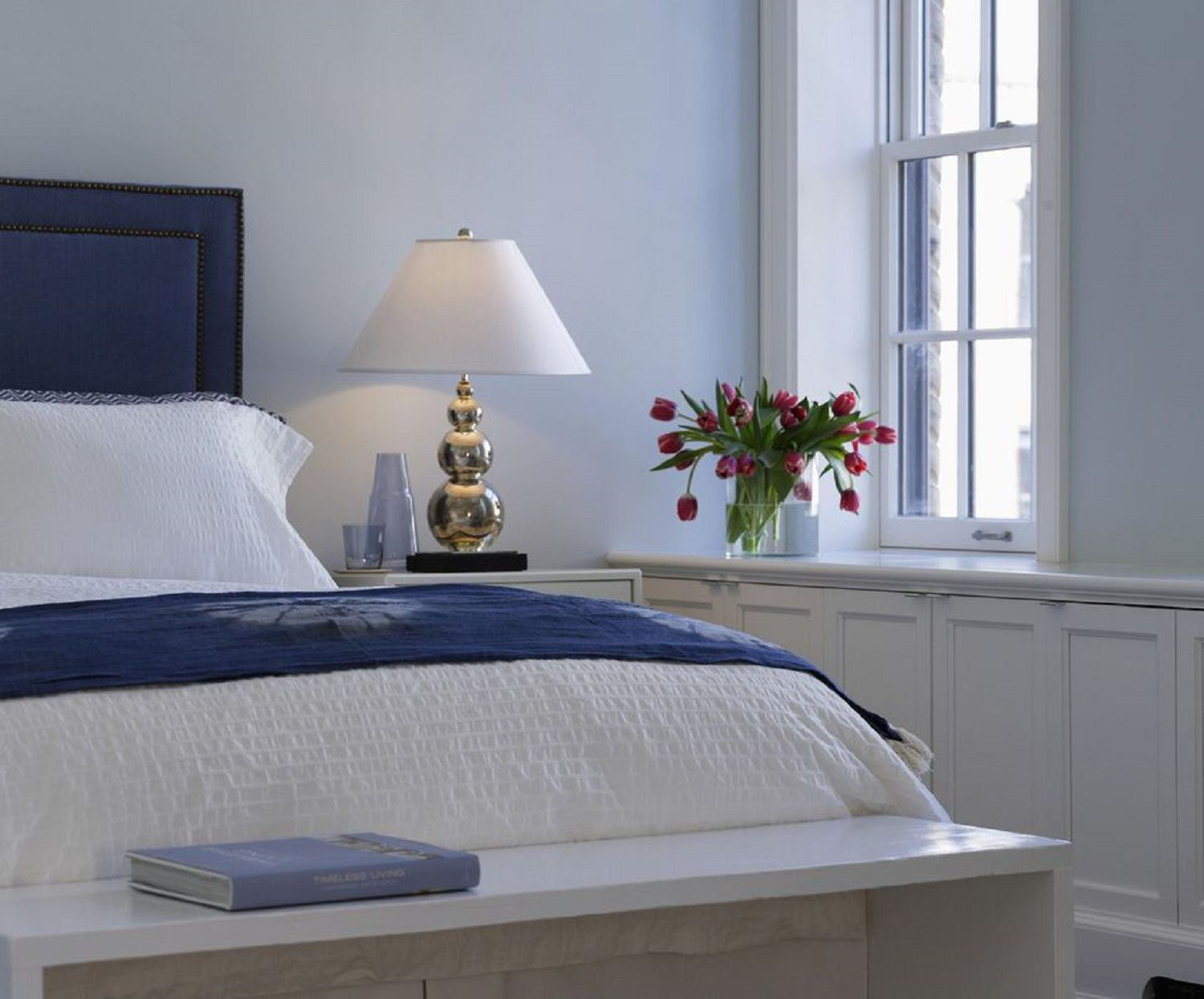 Blue bedroom decorating tips and photos Blue bedroom