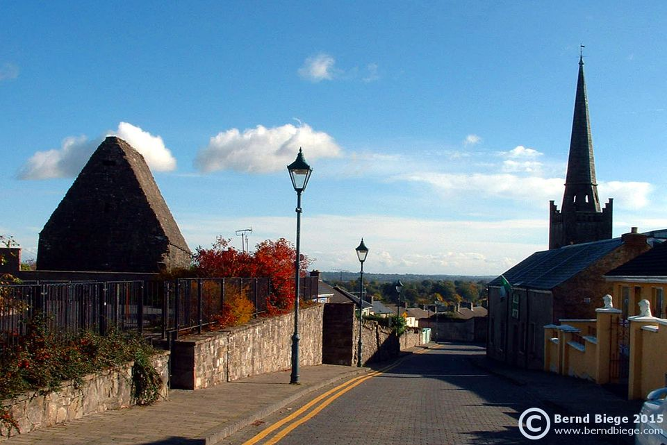 Kells - St. Columba's House on the left, the tower of St Columba's (Church of Ireland) on the right.