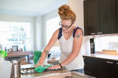 how to safely clean marble countertops