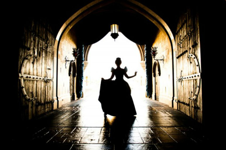 DisneyWorld_Cinderella_CastleBreezeway.jpg