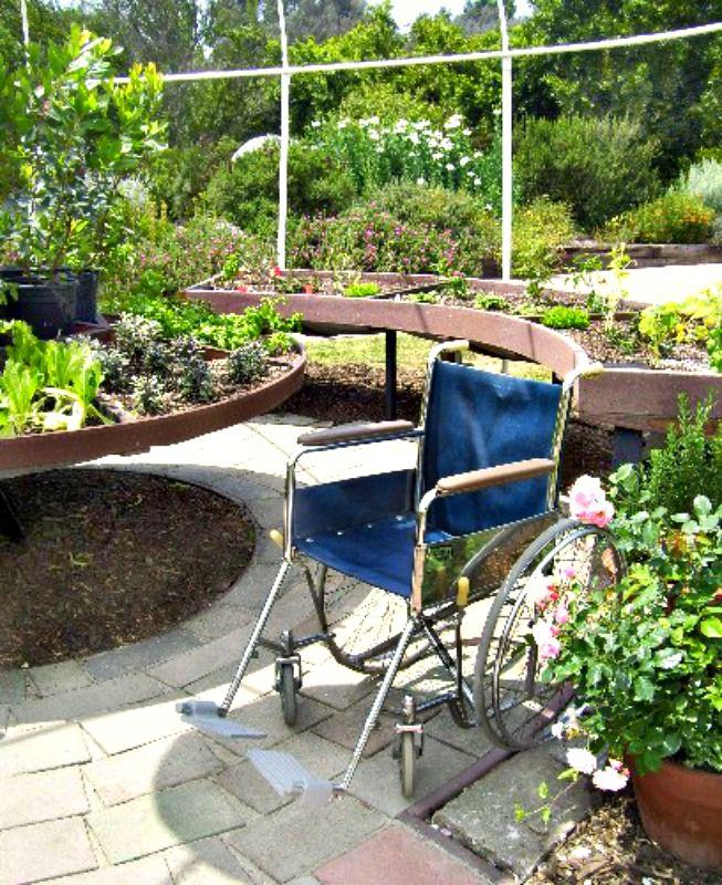 Patio Design Ideas Patio Pictures And Garden Designs - Mulch patio ideas