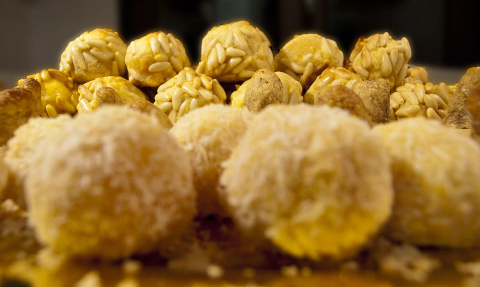 Panellets catalan almond sweets for all saints day panellets forumfinder Images