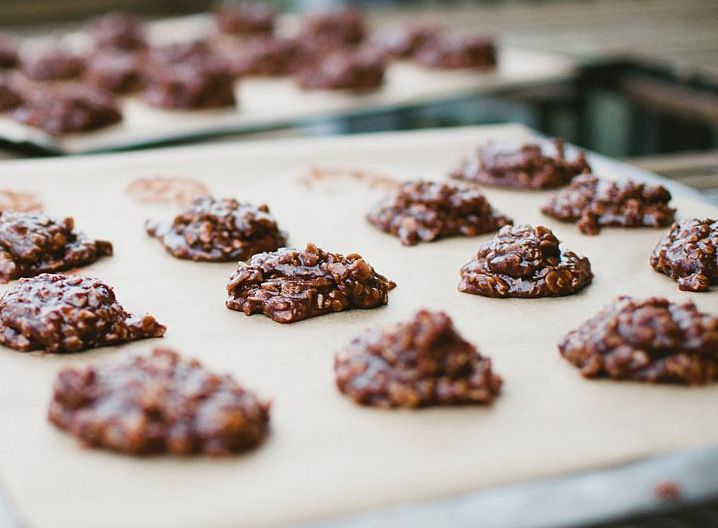 Chocolate peanut butter oatmeal cookes
