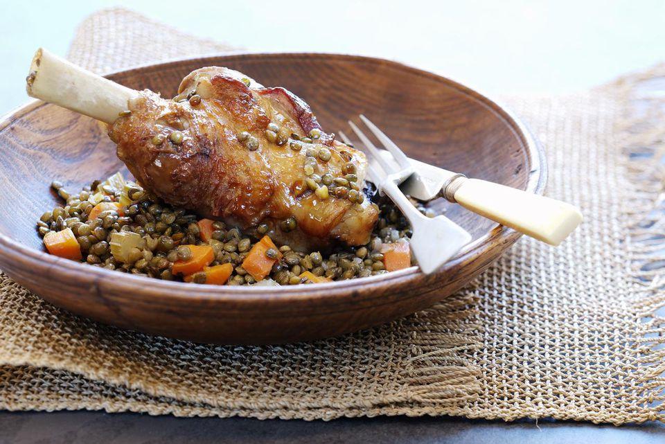 Lamb shank, lentils and carrots