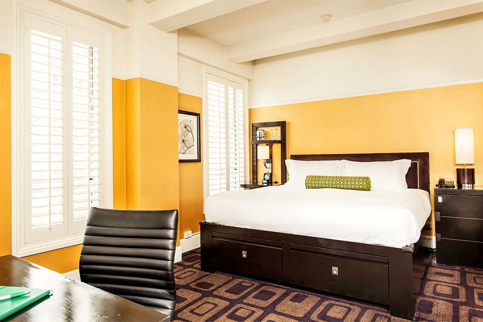 Harbour Court Hotel Guest Room