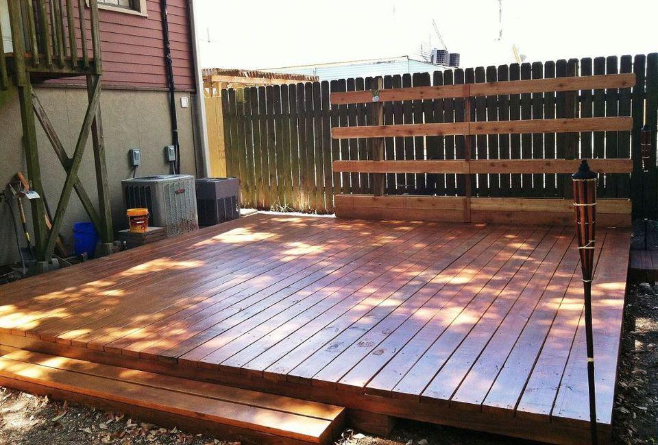 10 beautiful diy backyard decks for Diy small deck
