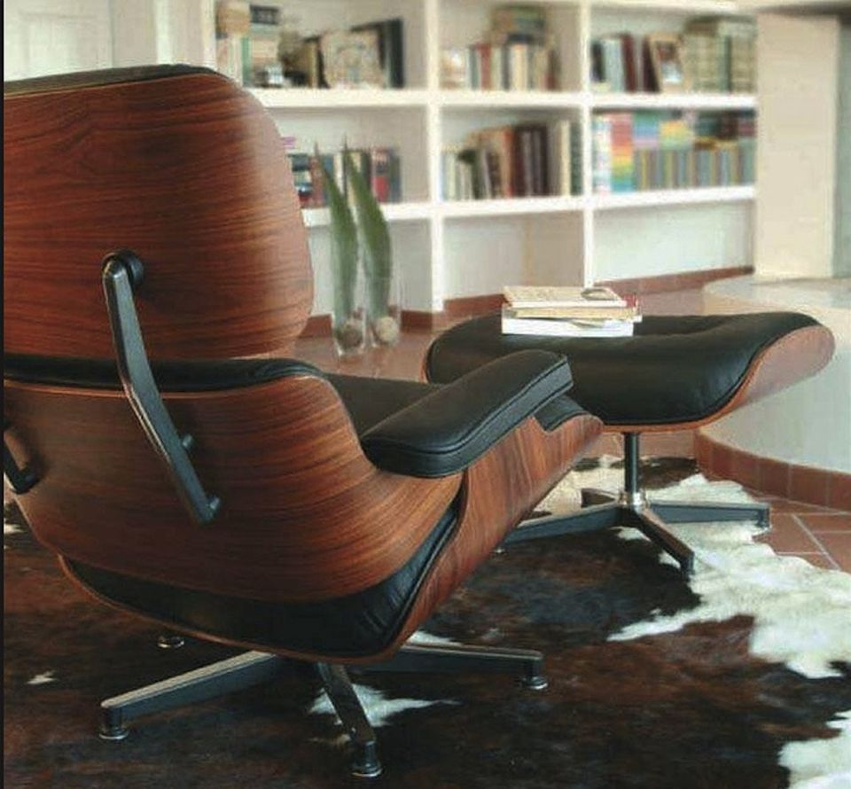 Eames lounge chair in room - Design Geek Presents The Eames Lounge On About Interior Decorating By Aphrochic