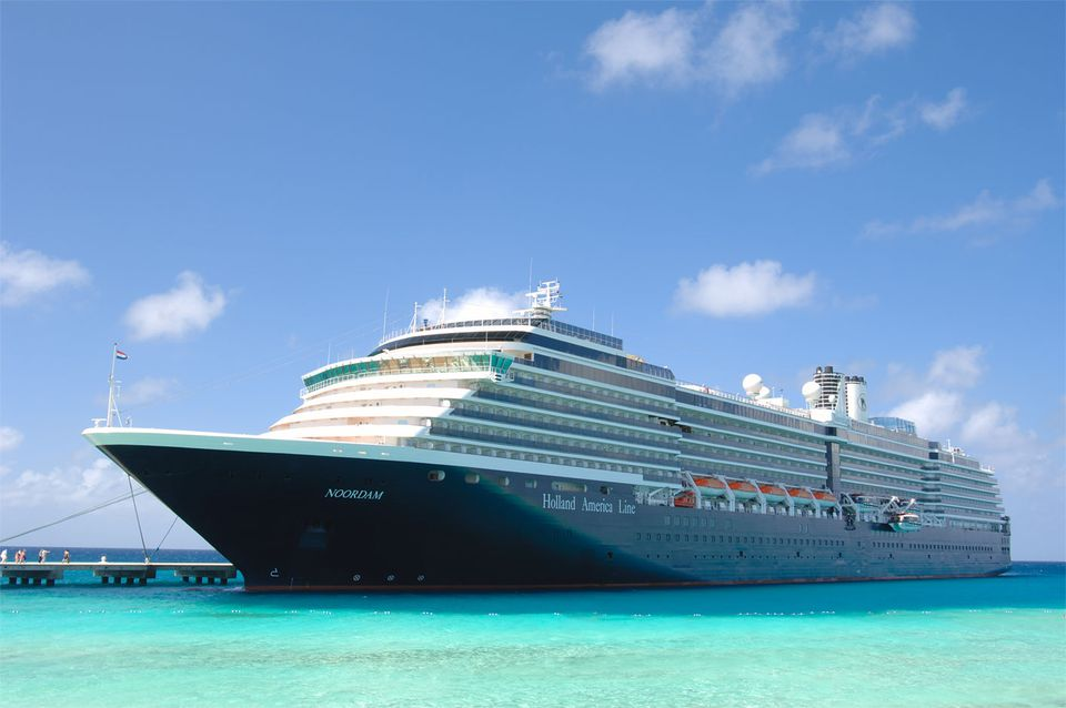 MS Noordam in Grand Turk, Turks and Caicos