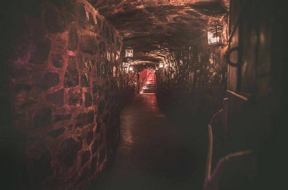 Velvet Speakeasy is a Montreal basement club housed inside Auberge Saint-Gabriel.